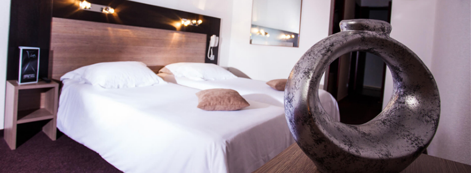 hotel at montpellier airport a roport montpellier. Black Bedroom Furniture Sets. Home Design Ideas